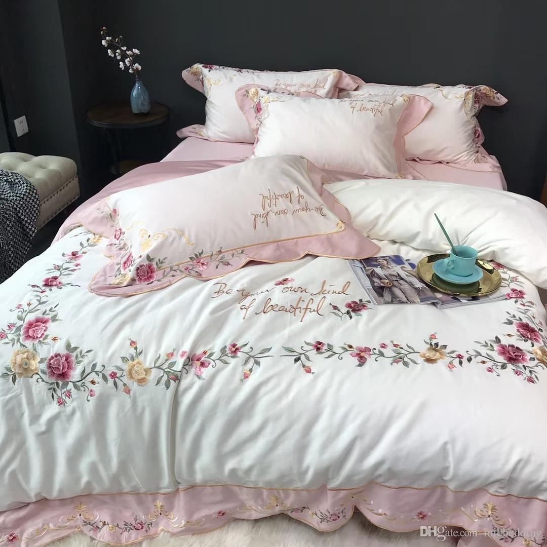 60 de fibra larga de ropa de cama de embarcaciones de bordado de cama de algodón de cuatro piezas círculo completo tridimensional-proceso parche curvada bordado de doble capa