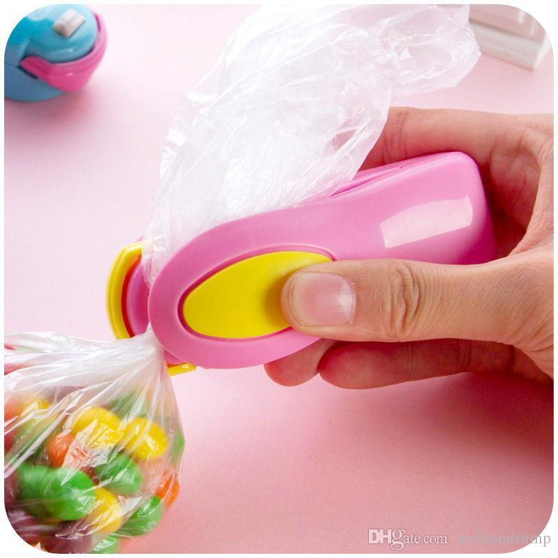 Neue Tasche Heißsiegelmaschine Tragbare Mini Heißsiegelmaschine Sealer Seal Verpackung Plastiktüte Lebensmittelsparer Lagerung Küche Werkzeuge Dhl-freies Verschiffen