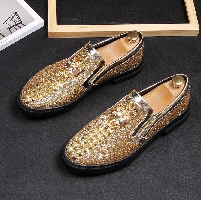 2019 Nuevo estilo italiano Hombres mocasines Zapatillas Fumar zapatos sin cordones Fiesta de bodas Negro Zapatos de vestir Zapatos de los hombres 921