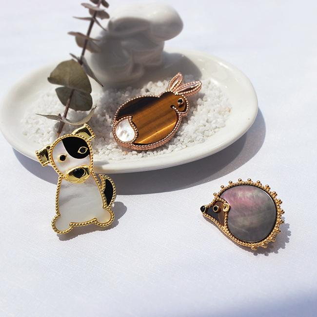 925 Silvery White Shellfish Fashion Grace Atmosphere Hummingbird White Pigeon Owl Hedgehog Rabbit Puppy Brooch Broth Accessories A911