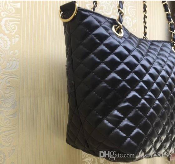 2018 كلاسيكي مبطن سلسلة حقيبة الكتف الأزياء حقيبة بو 2 لون شعار نمط حقيبة تسوق
