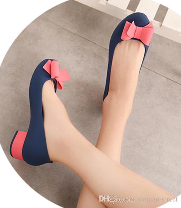 женская квадратный каблук бабочка узел желе сандалии леди водонепроницаемый желе Обувь женская мягкая резина дождь обувь женщины платье один обувь