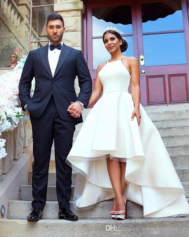 겸손한 간단한 웨딩 드레스 안녕하세요 고삐 목 새틴 라인 민소매 2017 저렴한 웨딩 파티 신부 들러리 용 공식 비치 비치 웨딩 드레스