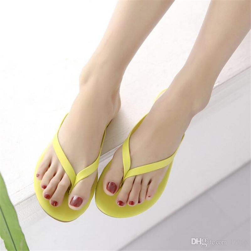 Classic Girls Beach Slippers Flip Flops High Quality Woman Summer Shoes Casual Non-slip Indoor Ooutdoor Flat Sandals
