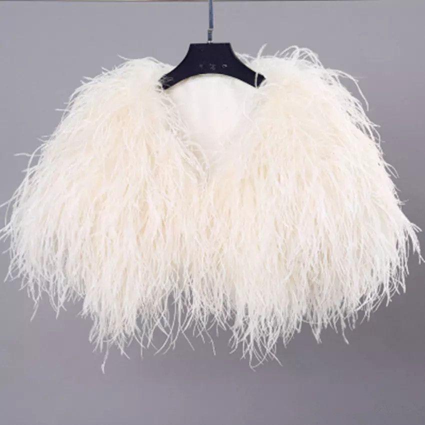 Elegante piuma dello struzzo bianco Cappotto di pelliccia rivestimento nuziale del bolero per il matrimonio formale scialli da sposa avvolge pelliccia convenzionale di sera del partito del Capo