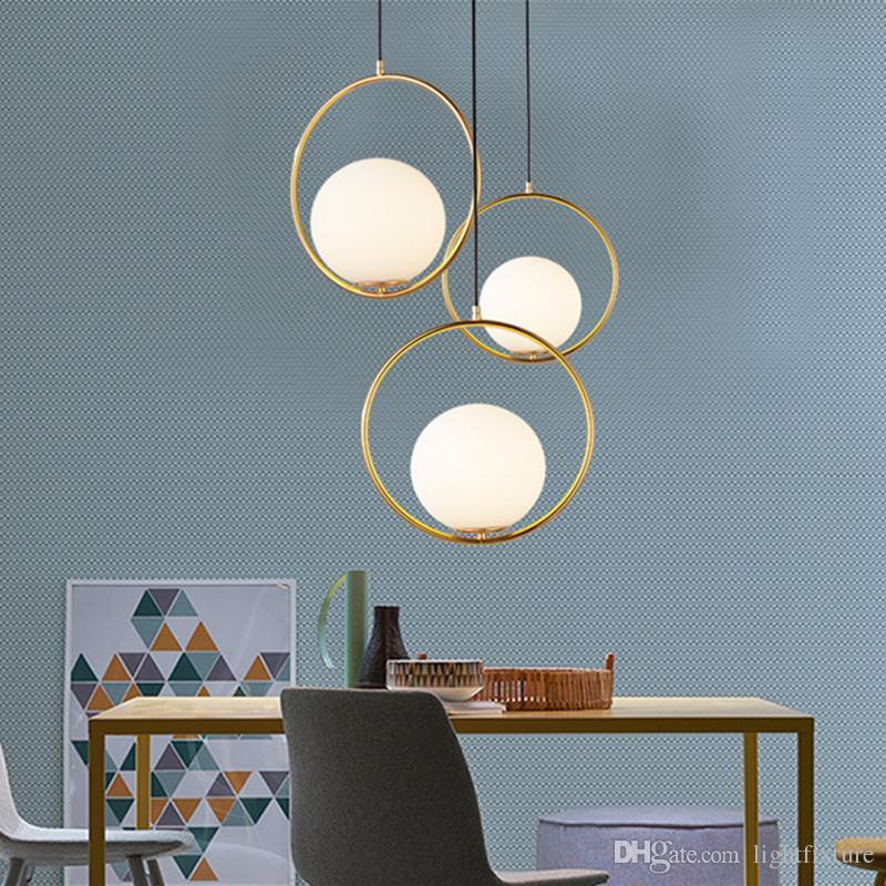 Moderno Metal de oro Redondo Globo Colgante Luces Restaurante Bar Light Lightures Interior Bola de cristal Lámparas Colgantes Lámparas LED Lámpara Cuelga
