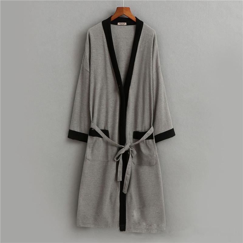 Fashion Bathrobe 2018 Plus Size Cotton V Neck Nightgown For Men Sashes Long Sleeve Men Robes Autumn Winter Ds5082