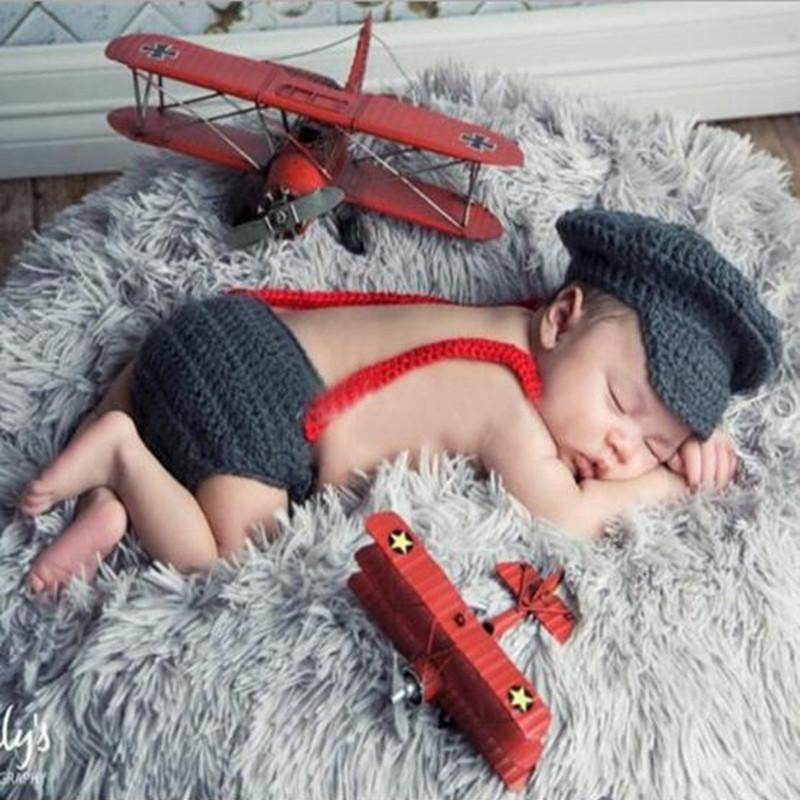 2016 New Born Photography Props Cotton Three Piece Suit Newborn Hats For Boys Red Gentleman Bow Tie With Dark Grey Winter Hat (1)