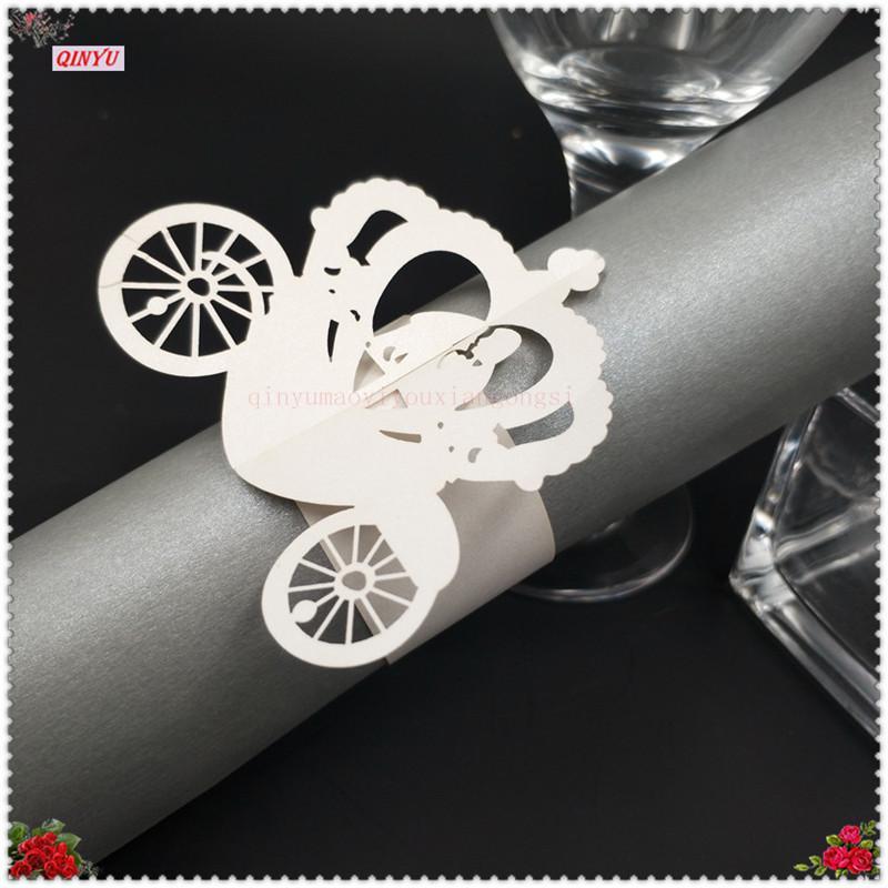 100 ADET Düğün Araba Şekilli Peçete Halkaları Pearlscent Kağıt Kartları Havlu Toka Serviette Masa Dekorasyon 7ZSH884