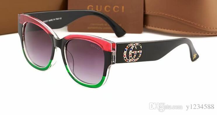 Nel 2018, i designer del marchio hanno progettato occhiali da sole polarizzati, occhiali da sole a tutto campo, occhiali polarizzati con montatura dorata da uomo e da donna, oltre a