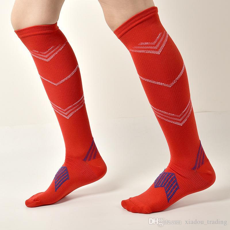 2018 Elastic Breathable Soccer Stockings Mens Nylon Sports Pressure Sock Circulation Decompression Man Basketball Mountaineering Knee Socks