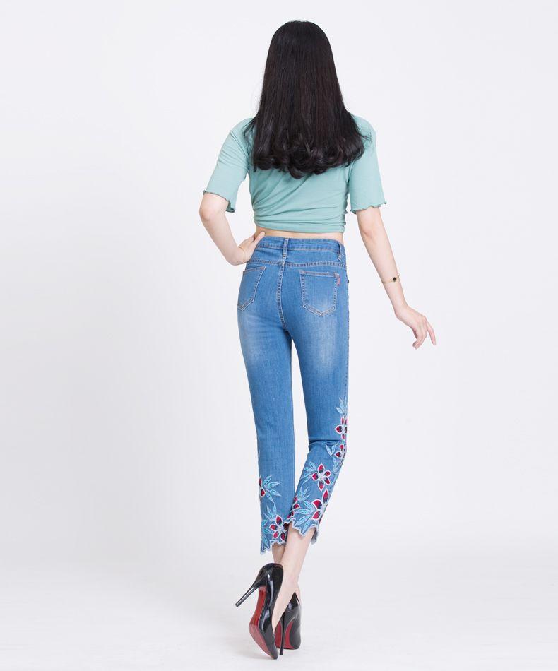 Großhandel Damen Designer Jeans National Style Capri Hosen Gestickte Blume Gerade Dünne Damen Stretch Dünne Hose Sommer Frühling Herbst Von