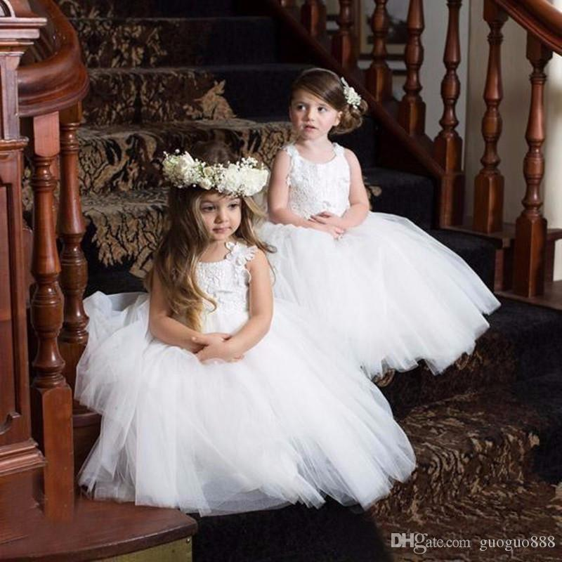 New Design Lace Flower Girl Dresses For Weddings V Neck Cap Sleeve Appliques Long Modest First Communion Dress Kids Party Gowns Cheap