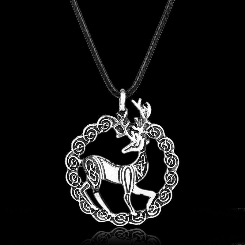 Viking ornaments circular wreath deer alloy necklace pendant sika deer amulet sold wholesale