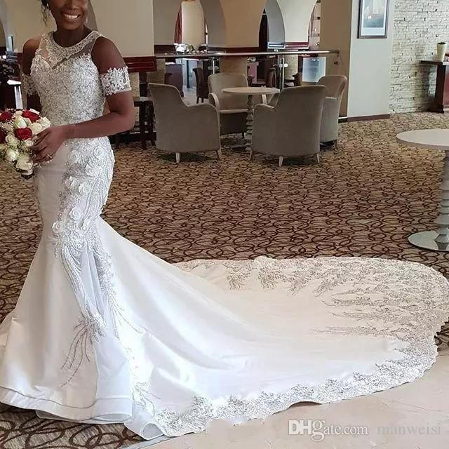 2019 neue afrikanische meerjungfrau brautkleider vestidos spitze applizierte juwel neck bridal kleid kurze ärmel Gericht Zug plus größe hochzeitskleid