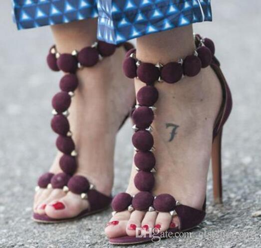 Design de marca Mulheres Moda Dedo Do Pé Aberto T-cinta Rebite Sandálias de Salto Fino Bola Tira No Tornozelo Sandálias de Salto Alto Vestido Sapatos