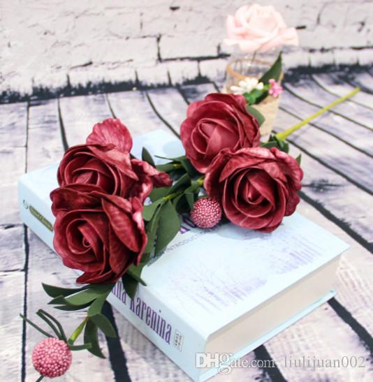 Bola de simulación y ramo de rosas Decoración del hogar pastoral Ramo de la decoración del banquete de boda