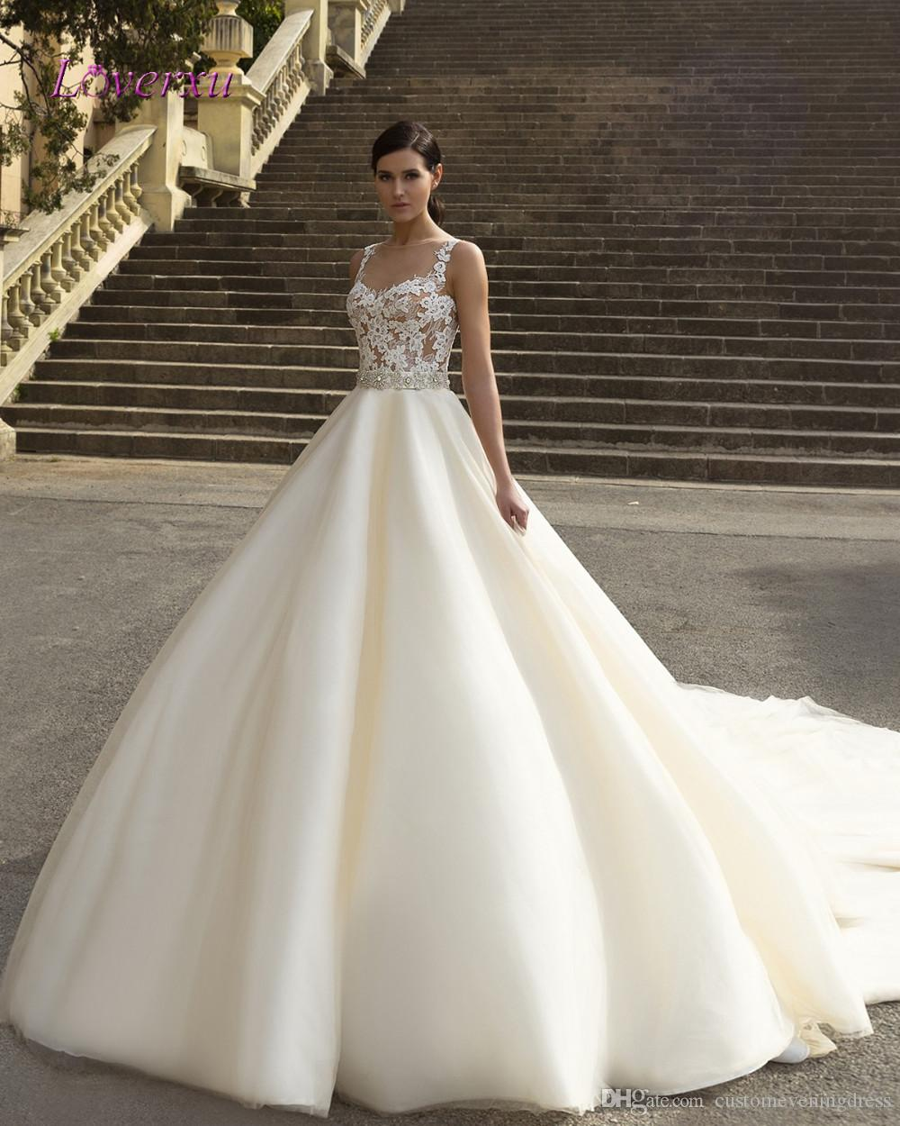 Loverxu Robe De Mariage Kraliyet Tren Bir Çizgi Gelinlik 2018 Lüks Aplikler Sashes Lace Up Tül Ucuz Gelin Kıyafeti Artı Boyutu