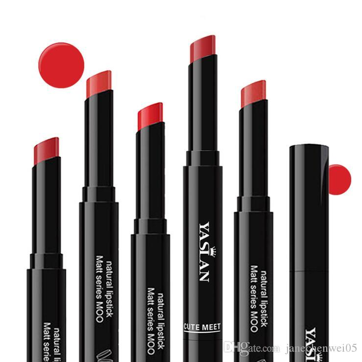 Feuchtigkeitsspendender Lippenstift Lange Dünne Größe Lipgloss Mini Lippenstifte Makeup Kit Wasserdichte Tragbare Make-Up Set 8 Farbe DHL frei