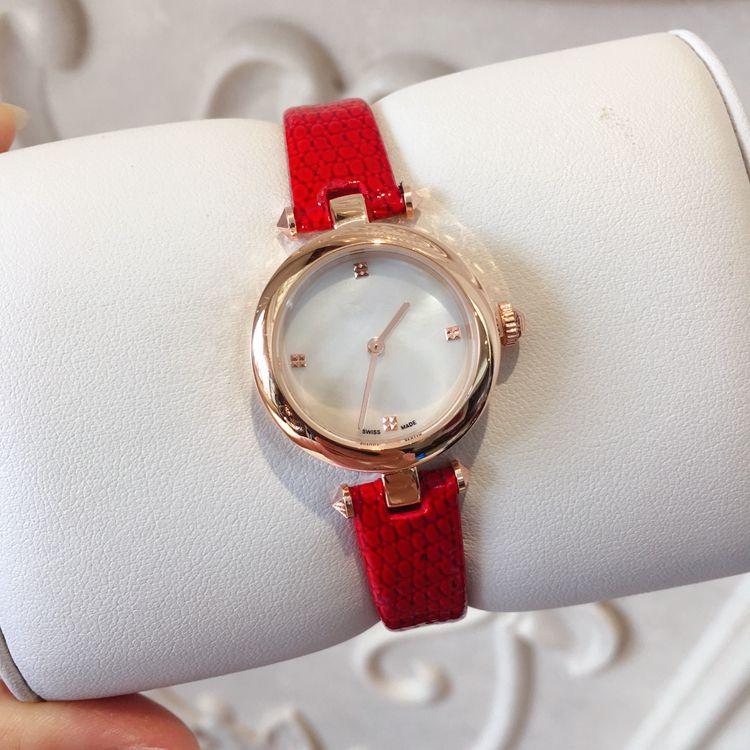 Toptan Yeni Moda Kadınlar Deri Kayış Elbise Saatler Rahat Relogio Feminino Lüks Lady Kuvars Saatler Kırmızı Moda Lady Elbise İzle