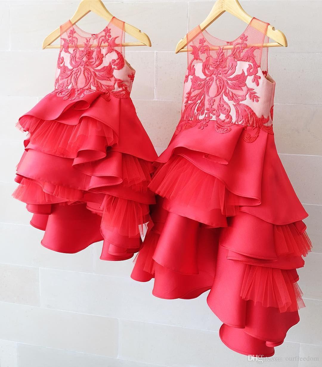 2019 élégant jupes à niveau des filles de robe de pages de filles Approbilles à volants de jupes à volants Premières robes de communion Filles Birtday Geode de fête personnalisée