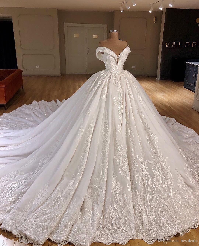 2019 Luxury Dubai Wedding Dresses Off the Shoulder Beaded Full Lace Cathedral Train Wedding Dress Custom Made Arabic Bridal Gowns