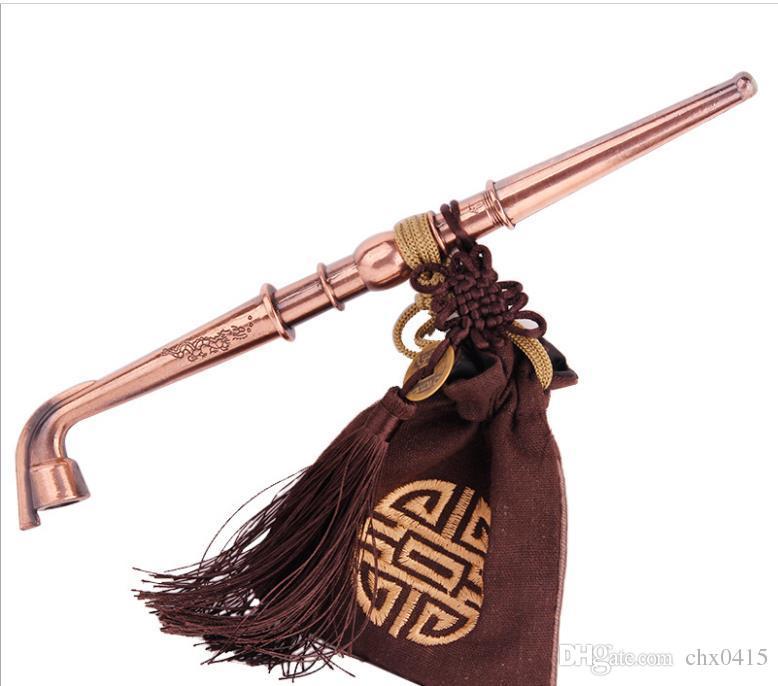 Antik bronz çekiç çekiç, sigara filtreleri, filtreler, düz tip yaratıcı kuru tütün çubuklar, ev geleneksel tütün kaynaklanıyor.
