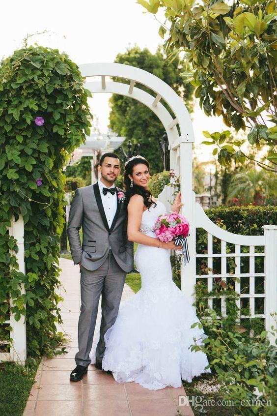 Summer Gray 2018 Wedding Suits Men Handsome Groomsmen Suit Slim Fit Groom Tuxedos Black Shawl Lapel Best Men Blazers Prom Wear 2 Pieces