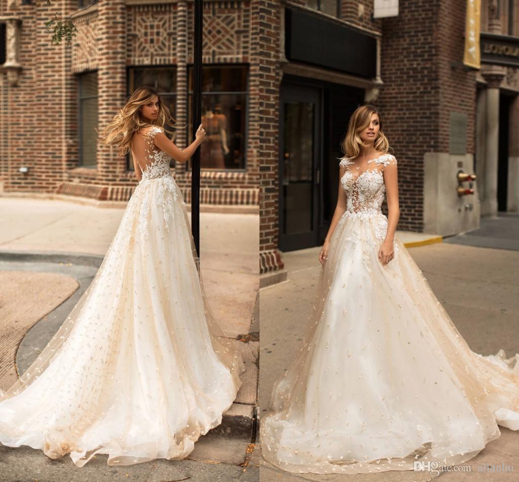 2018 Milla Nova 새로운 디자인 웨딩 드레스 레이스 진주 Sheer Neck Sexy Cap Sleeves Beads Backless Applique Wedding Bridal Gowns 사용자 정의