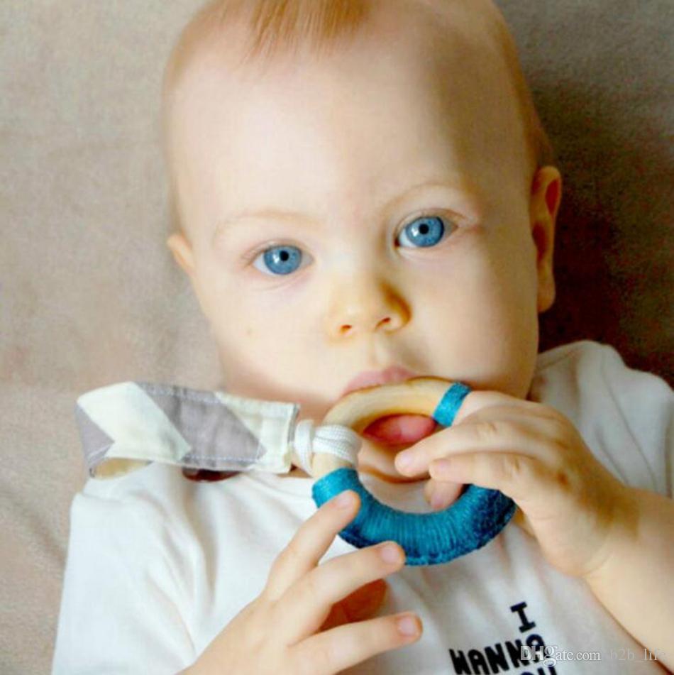 Main naturelle Crochet infantile pour bébé en bois Enfants Teether Cadeau Jouet Anneau de dentition infantile Anneau en bois Teethers 24 Couleurs OOA3927