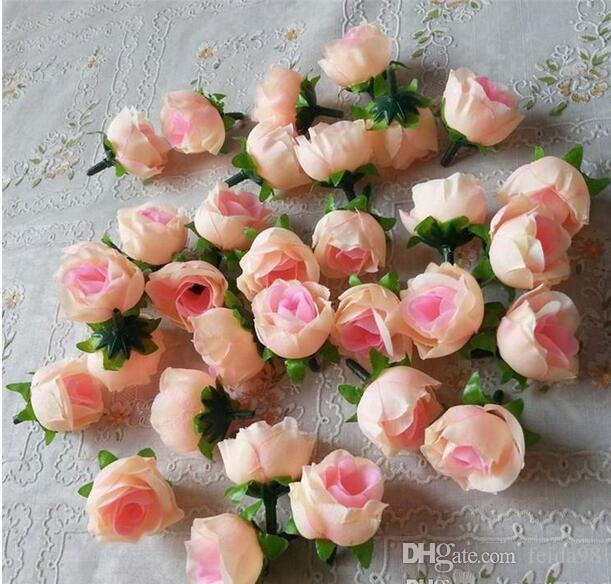 Konstgjorda blommor Heads Rosa Artificial Rose Bud Konstgjorda Blommor För Bröllopsdekorationer Julfest Silk Blommor