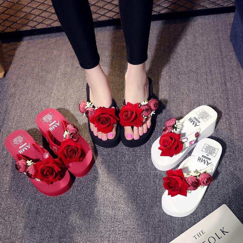 521a1a5b1 Compre Mulheres Verão Cunhas Flip Flops Mulher Calçados De Verão Com Flor  Senhoras Sapatos De Praia Da Menina Sandalet Moda Praia Sapatos De  Haoxinbag, ...