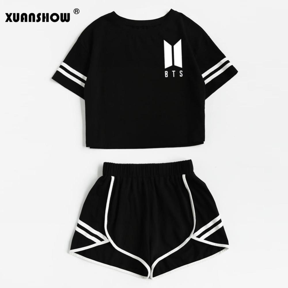 Großhandel 2018 Sommer Baumwolle Striped Damen Trainingsanzug BTS Kleidung Set 2 Stück Frau Anzüge Shorts Crop Tops + Shorts Hosen Outfit Von