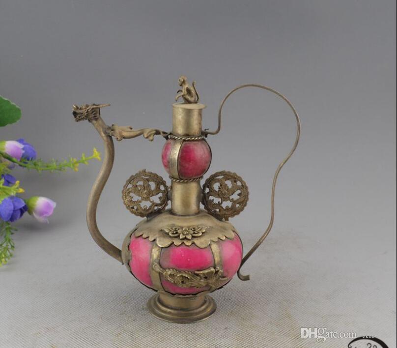 Nuovi prodotti sugli scaffali, oggetti d'antiquariato, bronzi, oggetti d'antiquariato, regali, turchese, bollitore per il drago e bollitore.