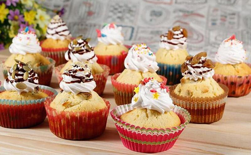 Assortiment de 30 styles tasse cuisson fête de Noël petit gâteau caissettes en papier tasses à muffins