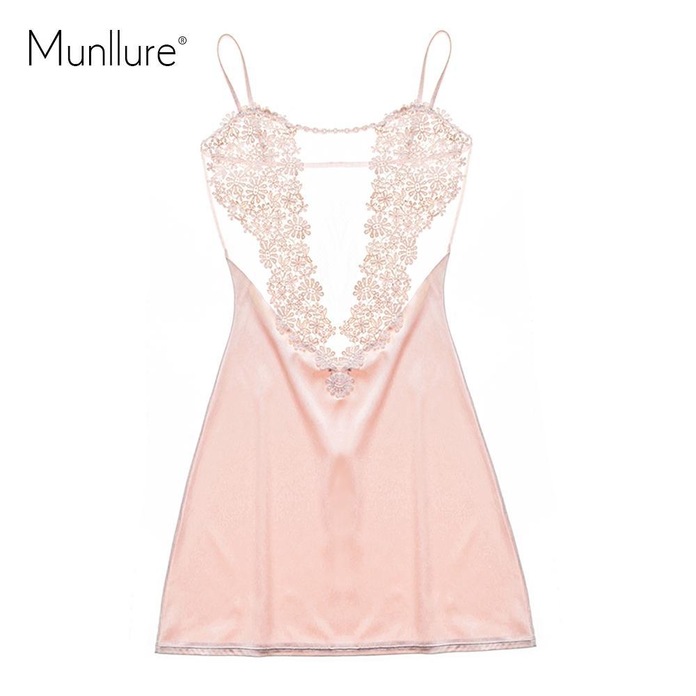 Munllure 2017 الحرير الصلبة مثير منامة مع الدانتيل الأزهار بيجامة فام أزياء المرأة ثوب النوم homewear للسيدات Y18101601