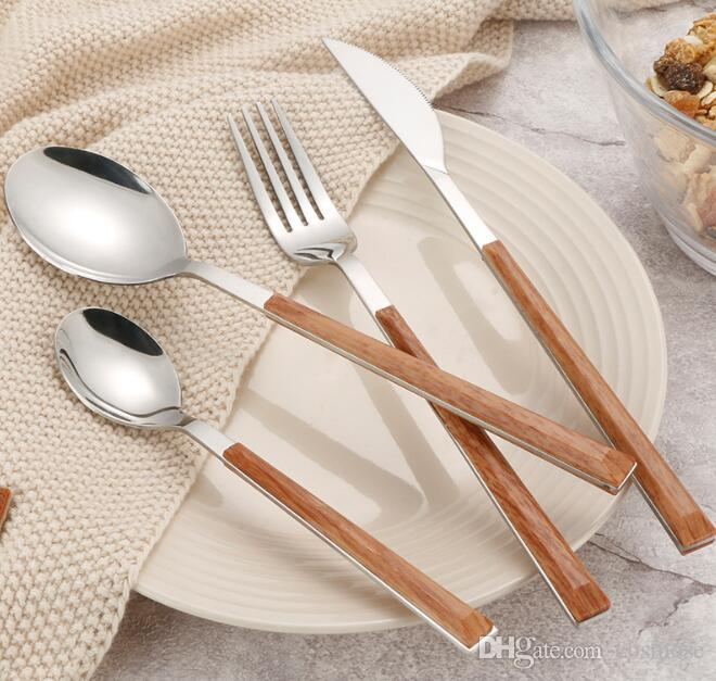 تعيين أدوات المائدة الفولاذ المقاوم للصدأ مع مقبض خشبي صديقة للبيئة أدوات المائدة الغربية مجموعات ملعقة سكين شوكة أدوات المائدة عالية الجودة