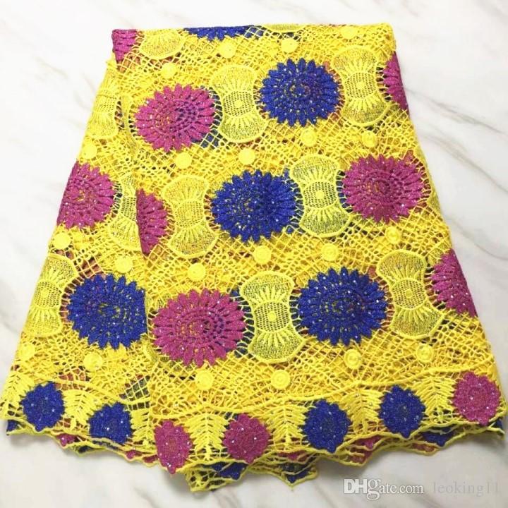 Vente chaude jaune guipure française broderie africaine tissu de dentelle soluble dans l'eau africaine avec strass pour robe BW32-10,5yards / pc