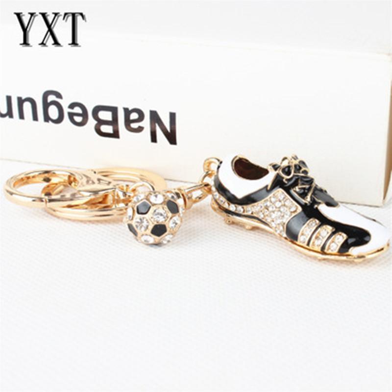 أحذية كرة القدم الرياضة كيشاين 2018 روسيا كأس العالم 3d الرياضة الكرة الحلي المعدنية هدية حلقة رئيسية اكسسوارات كرة القدم سلاسل المفاتيح تذكارية