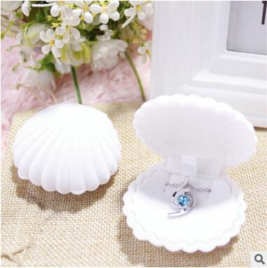 Shell Shape Velvet Jewelry Organizer Elegant Earring Storage Box Creative Necklace Holder Popular Women Gift Box