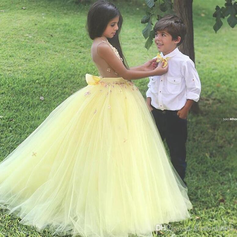 Ilusão Amarelo 2019 Flor Meninas Vestidos 3D Lace Floral Princesa Uma Linha de Festa Vestidos Tutu Saia Vestidos Crianças Vestido Para Pageant
