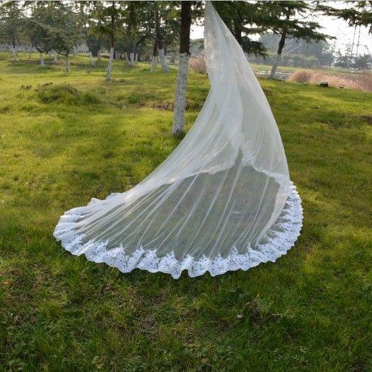 2018 Latest 3 Metre Wedding Veil Long Pretty Lace Appliqued Hemline Top Quqlity White Ivory Mantilla Veil with Comb