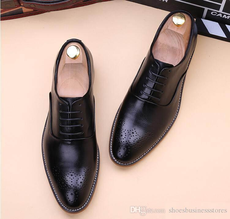 2018 Luxus Designer Männer weiß Ochse spitz Oxfords Schnürschuhe Schuhe Wohnungen Male Homecoming Kleid Hochzeit Prom Schuhe