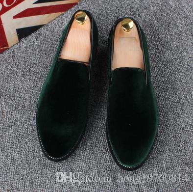 Mocasines de los hombres de moda Slip en la versión coreana británica Zapatillas de terciopelo ocasionales Zapatos de vestir británicos Planos de los hombres Zapatos de boda y fiesta