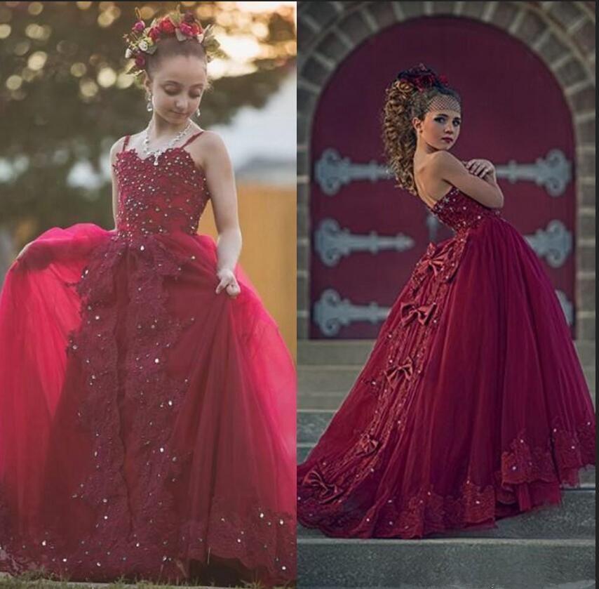 Compre 2020 Vestidos Con Cuentas De Cristal Perlas Nueva Borgoña Vestidos De Niña De Las Flores Para Las Bodas Espaguetis Correas De Encaje Niñas
