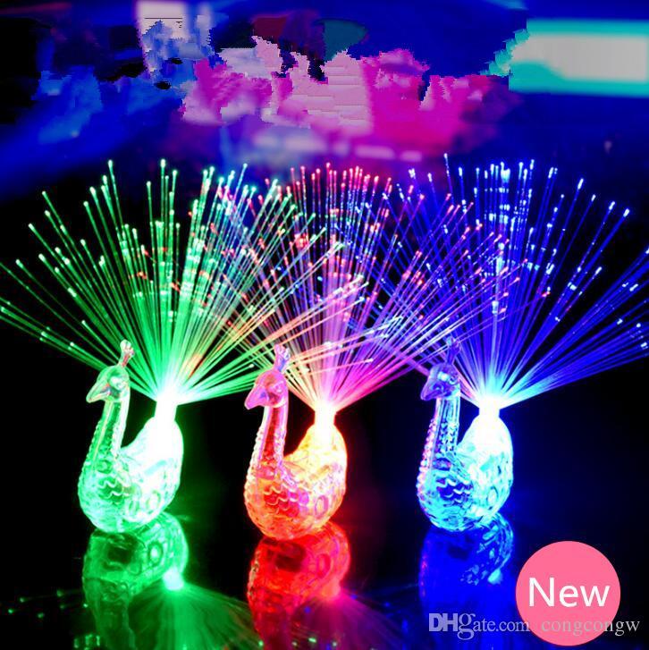 2018 Yaratıcı Tavuskuşu LED Parmak Yüzük Işıklar Kirişler Parti Gece Kulübü Yüzükler Optik Fiber Lamba Çocuklar Cadılar Bayramı Parti Malzemeleri # KG01