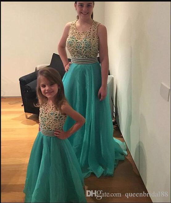 Custom Made Beaded Jewel Neck Mother and Daughter Dresses 2019 Long Chiffon A Line Wedding Party Gowns Littler Flower Girls Dress