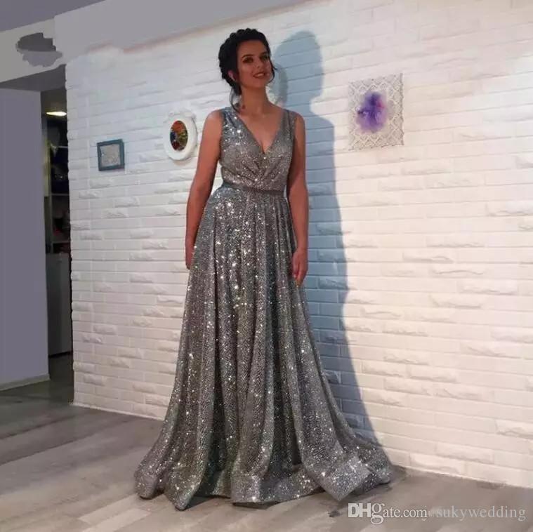 Brillante Gris cuello en V vestidos de noche Abiye Por noche Elbisesi una línea árabe lentejuelas formal Prom Vestidos cremallera de la espalda Abendkleider Vestido de festa