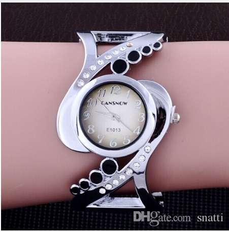 Nuevo diseño de las mujeres brazalete de reloj de cuarzo de cristal relojes de lujo rhinestone moda mujer relojes venta caliente eleagnt mujer reloj