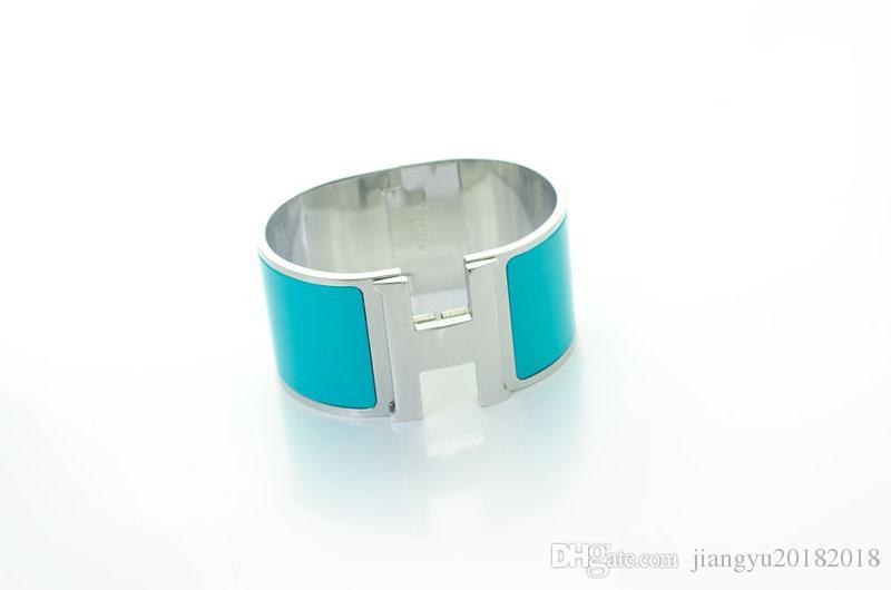 Quality Celebrity design Metal Buckle Silver bracelet Metal Clover Cuff Wide bracelet Gold Jewelry With Box
